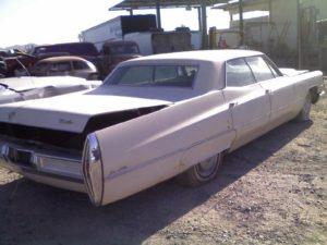 1967 Cadillac Sedan de Ville (67CA3308D)