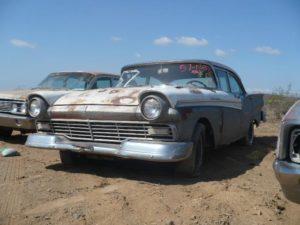 1957 Ford Fairlane (57FO1282C)
