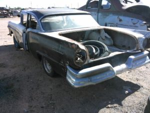 1957 Ford Fairlane 2dr sdn (57FO9530C)